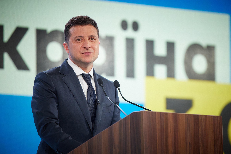 Президент Зеленский обсудил с Папой Франциском мир на Донбассе