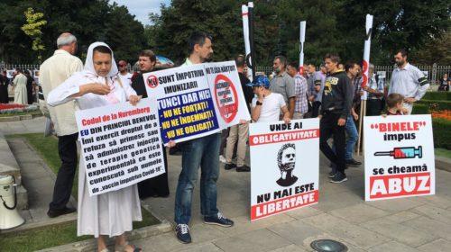 Более тысячи православных верующих протестовали против вакцины
