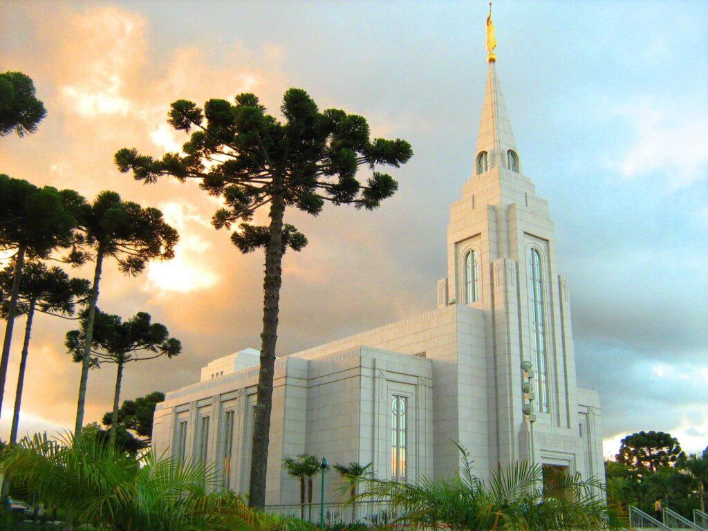 95% храмов мормонов предложат живые таинства в августе 2021