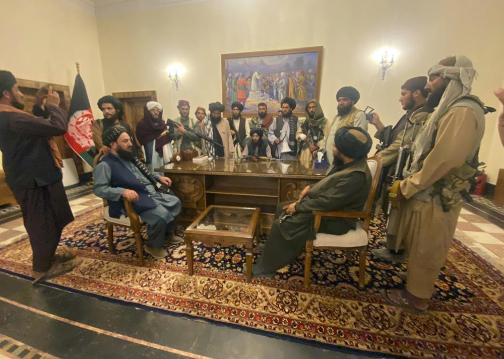 Талибан* ворвался в афганскую столицу после краха правительства
