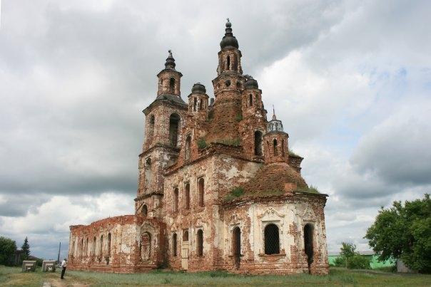 Устроившему коровник в храме в Татарстане грозит крупный штраф