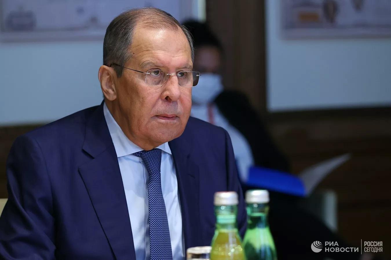 """Лавров рассказал о """"сильнейших атаках"""" на РПЦ со стороны Запада"""