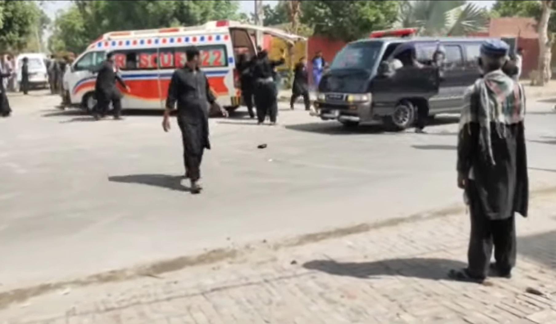 Взрыв убил троих на процессии шиитов в Пакистане, 50 ранены