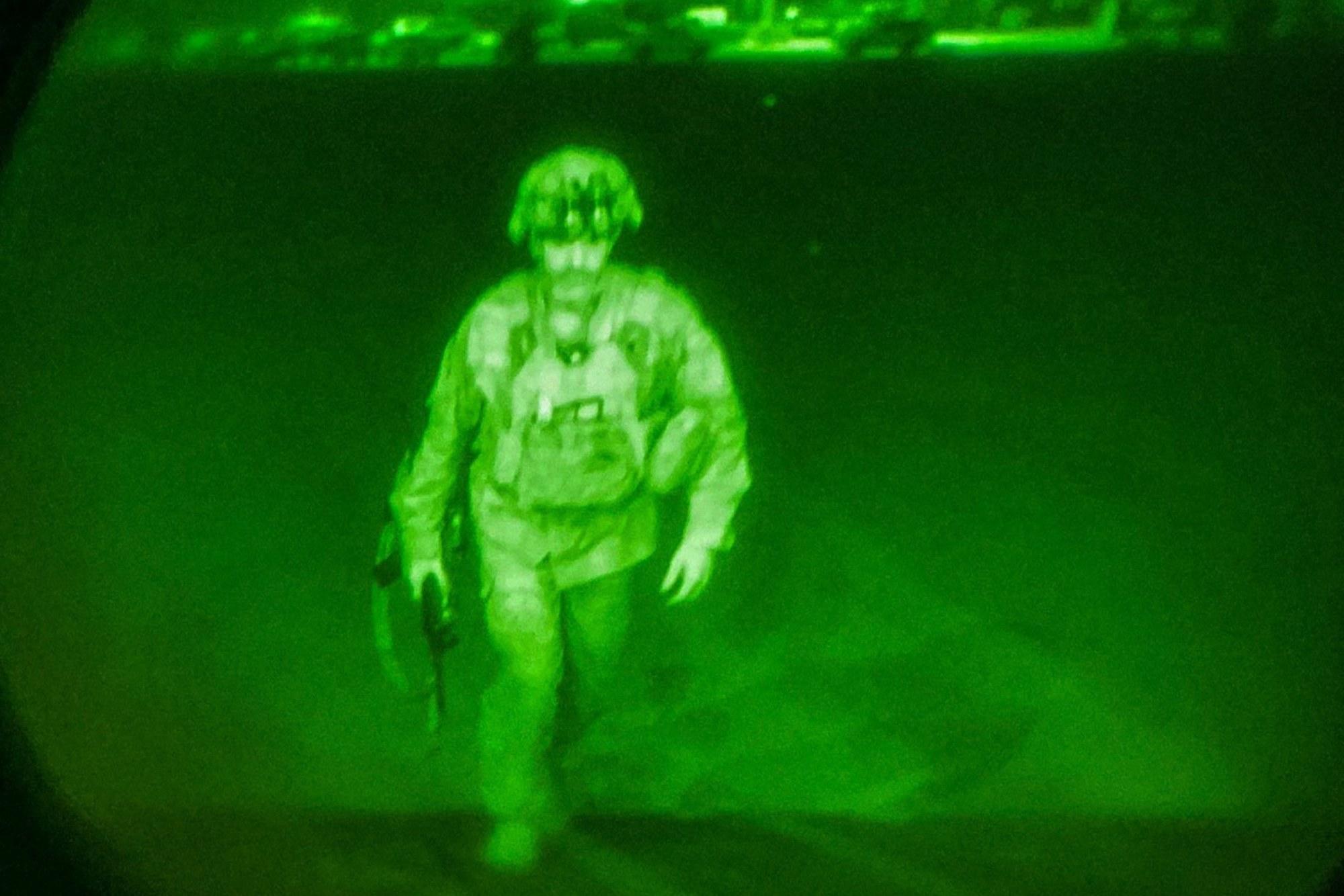 Армейский генерал - последний солдат США, покинувший Афганистан