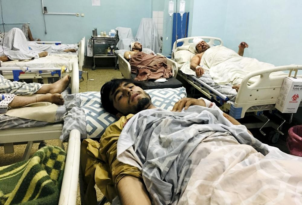 Теракт в аэропорту Кабула: погибли 60 афганцев и 13 солдат США