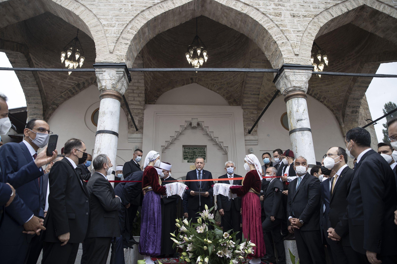 Эрдоган на открытии отремонтированной турецкой мечети в Боснии