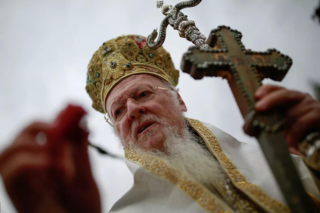 Патриарх Варфоломей не вышел к православным верующим в Киеве