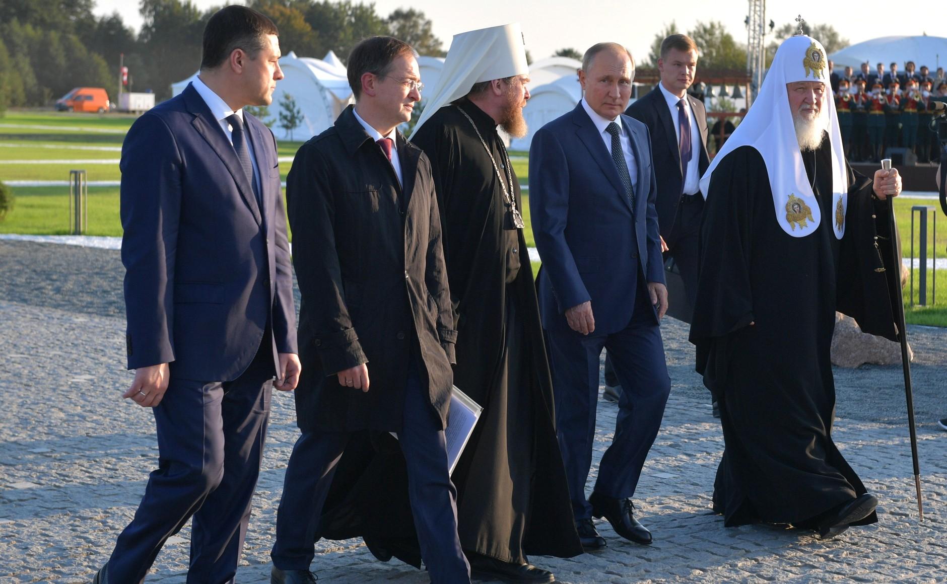 Путин: Невский - хранитель веры и традиций, духовной силы