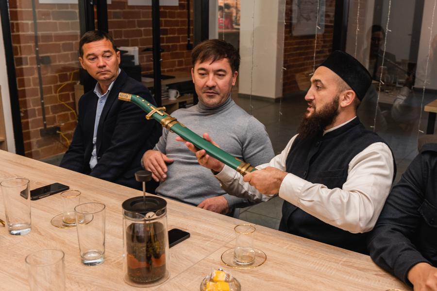 В Казани презентовали образ татарского воина - Туганбатыра