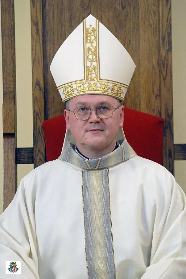 Первого русского епископа-католика позвали служить с Папой