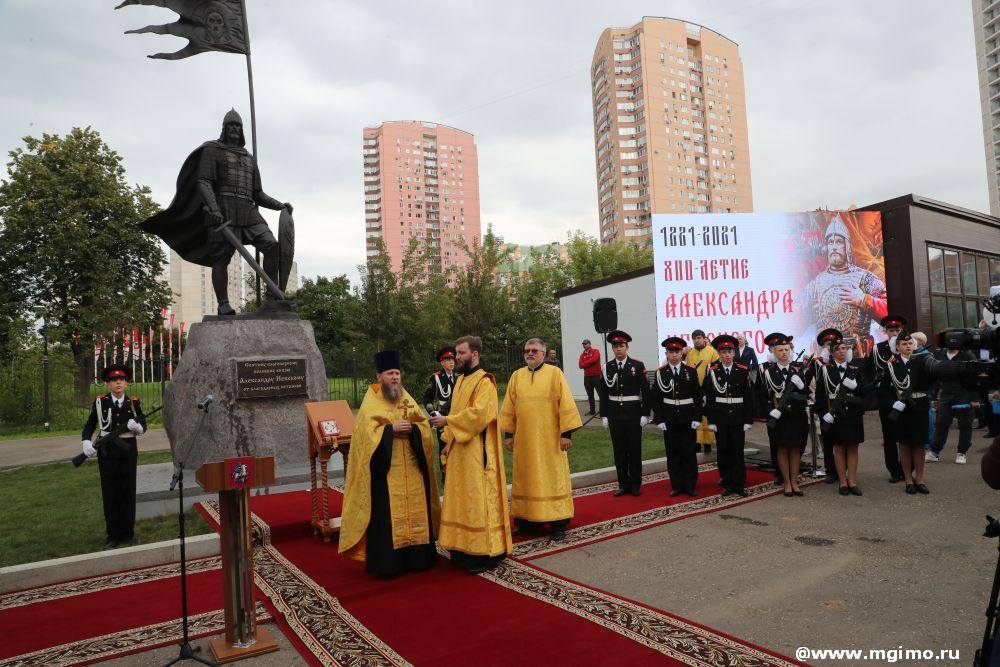 В храме при МГИМО открыт памятник князю Александру Невскому