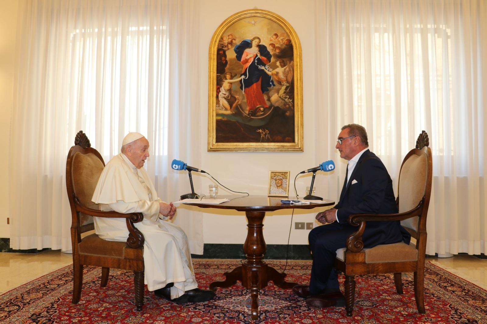 Папа Франциск решительно опроверг утверждения о его отставке