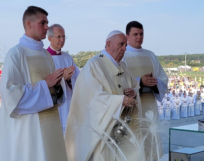 Епископ Николай Дубинин рассказал о молитве с Папой Франциском