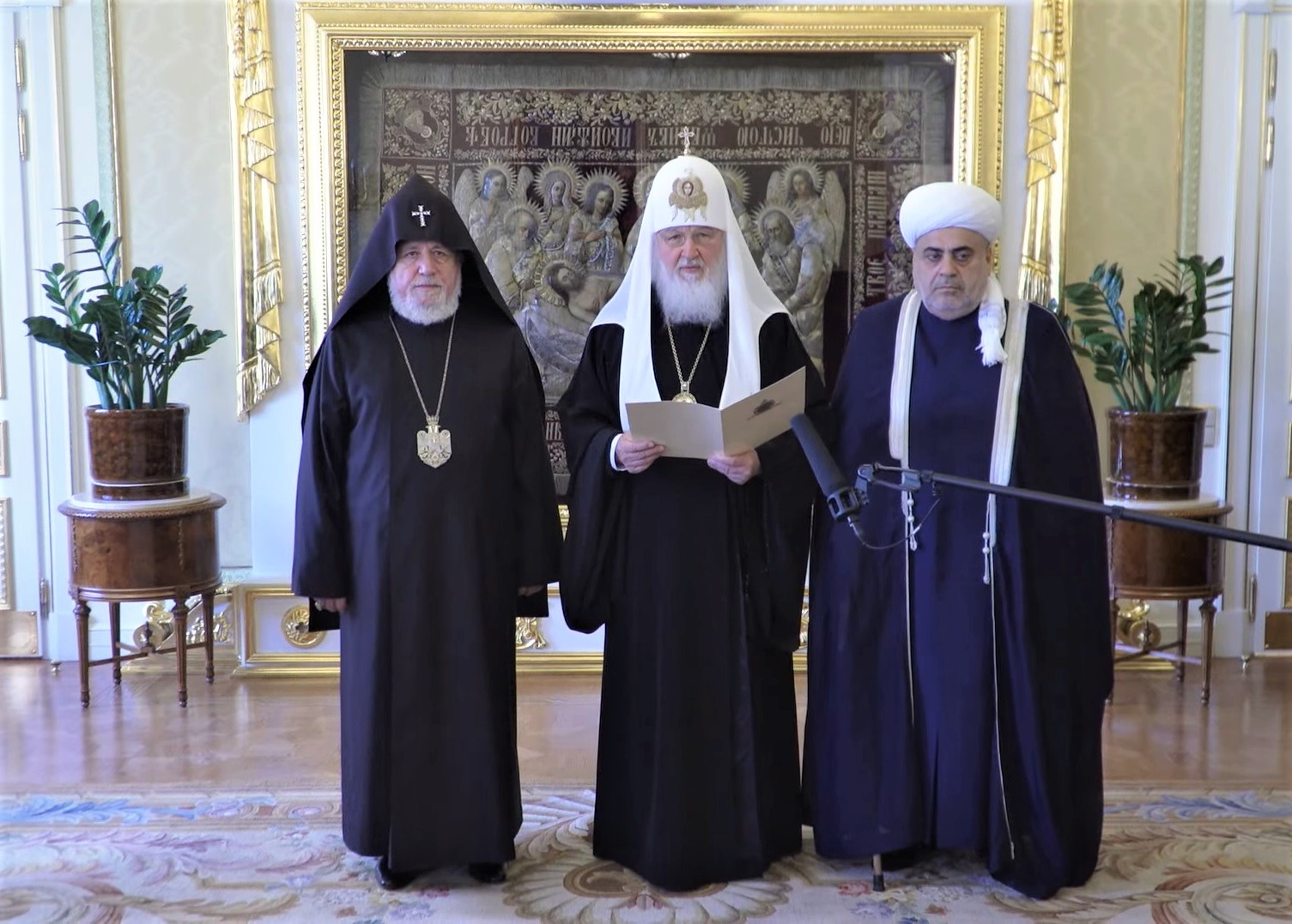 Духовные лидеры выступили в России за мир на Южном Кавказе