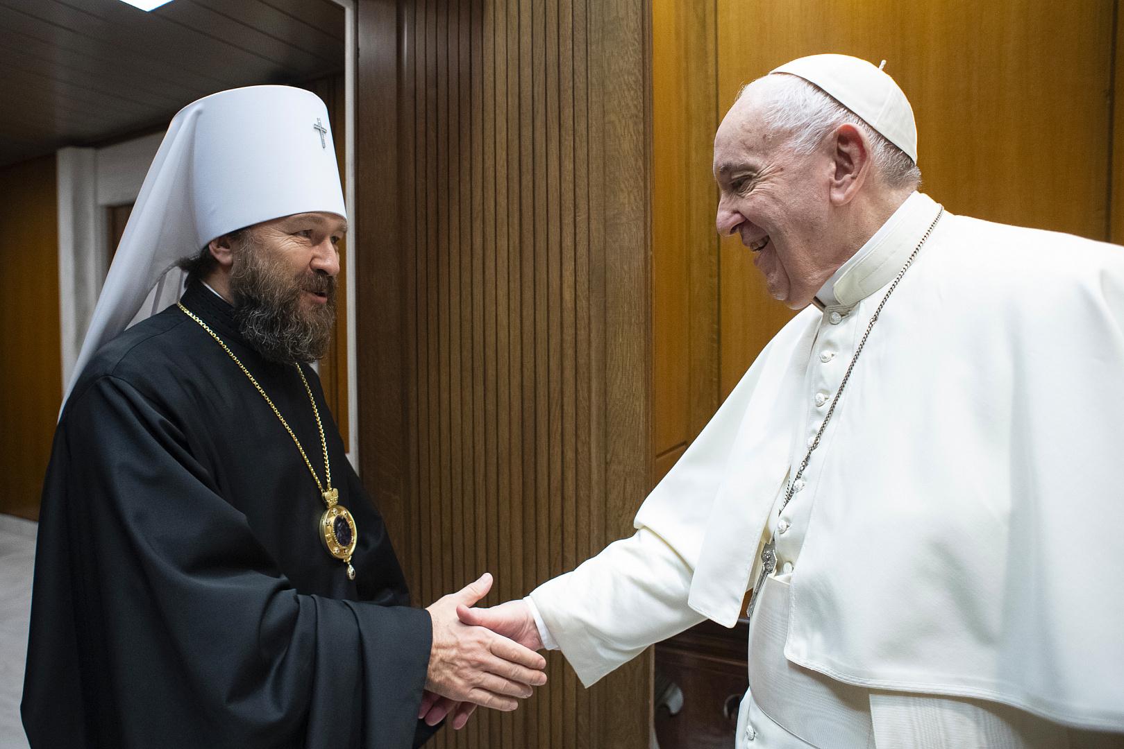 Иларион встретился с Папой Франциском, дал интервью Vatican News