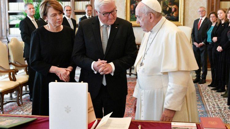 Папа Римский Франциск встретился с президентом ФРГ