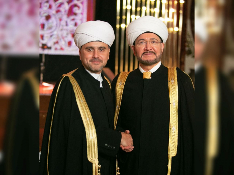 Муфтий Равиль Гайнутдин поздравил Рушана Аббясова с 40-летием