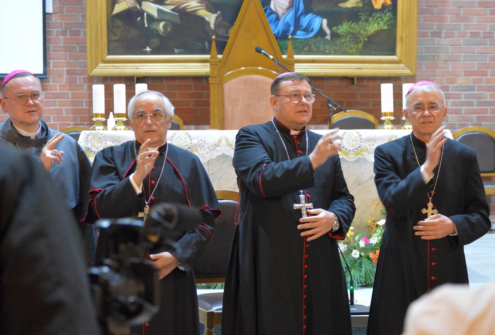 Завершение торжеств католиков в Новосибирске по случаю 30-летия