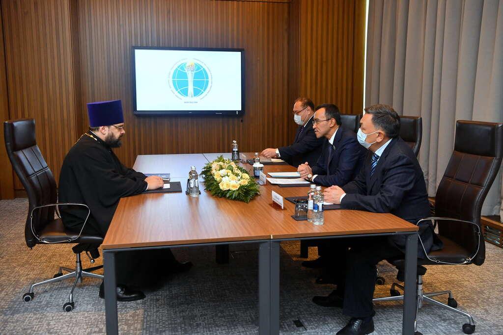 Секретарь ОВЦС встретился с председателем Сената Казахстана